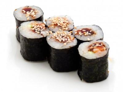 Унаги-Маки ролл с угрем и соусом унаги